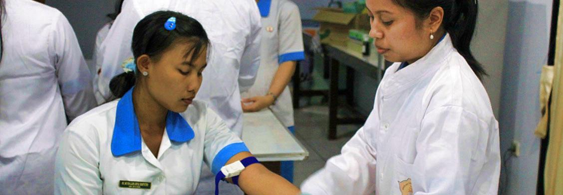 praktikum-di-lab-analis-kesehatan-2
