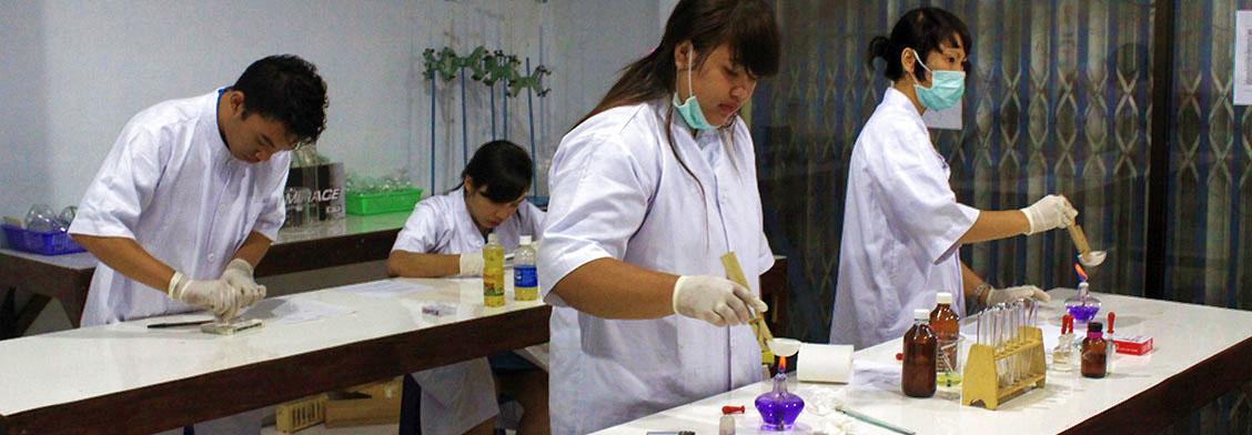 praktikum-di-lab-analis-kesehatan-3